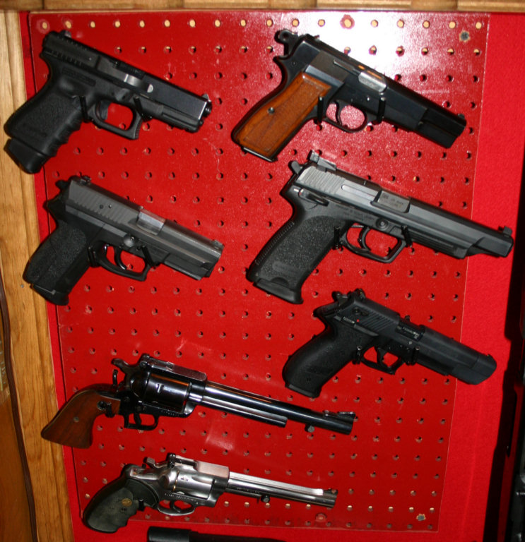 Name:  pistolas.jpg