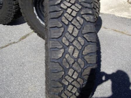 Name:  Tire-2.jpg Views: 360 Size:  85.4 KB